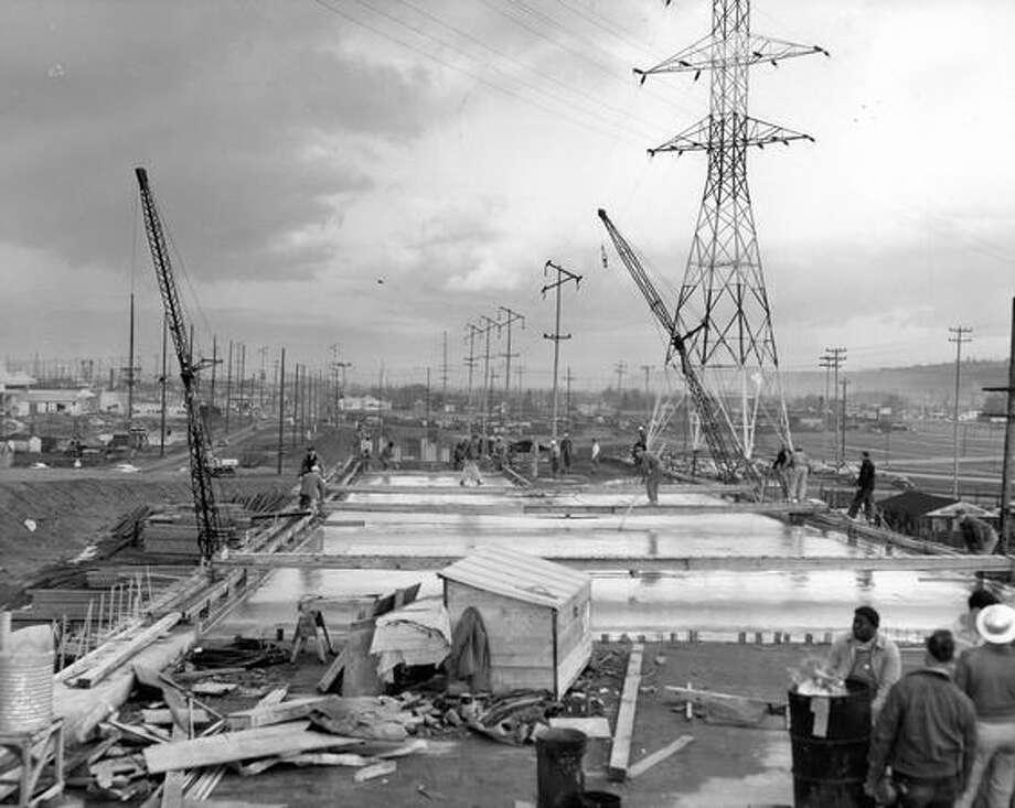 Construction of the First Avenue South Bridge, Dec. 29, 1955. Photo: P-I File