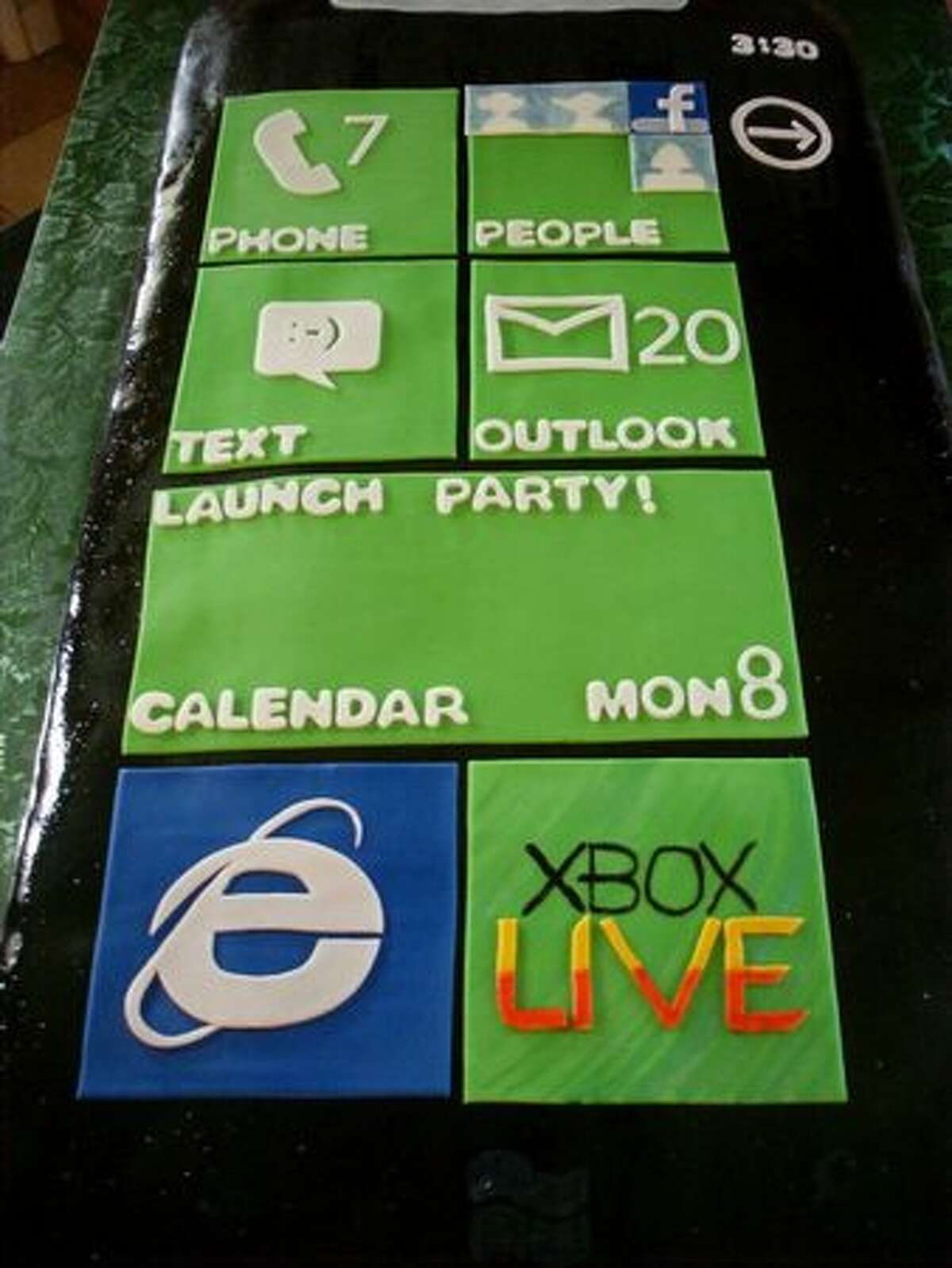 The main Windows Phone 7 cake.