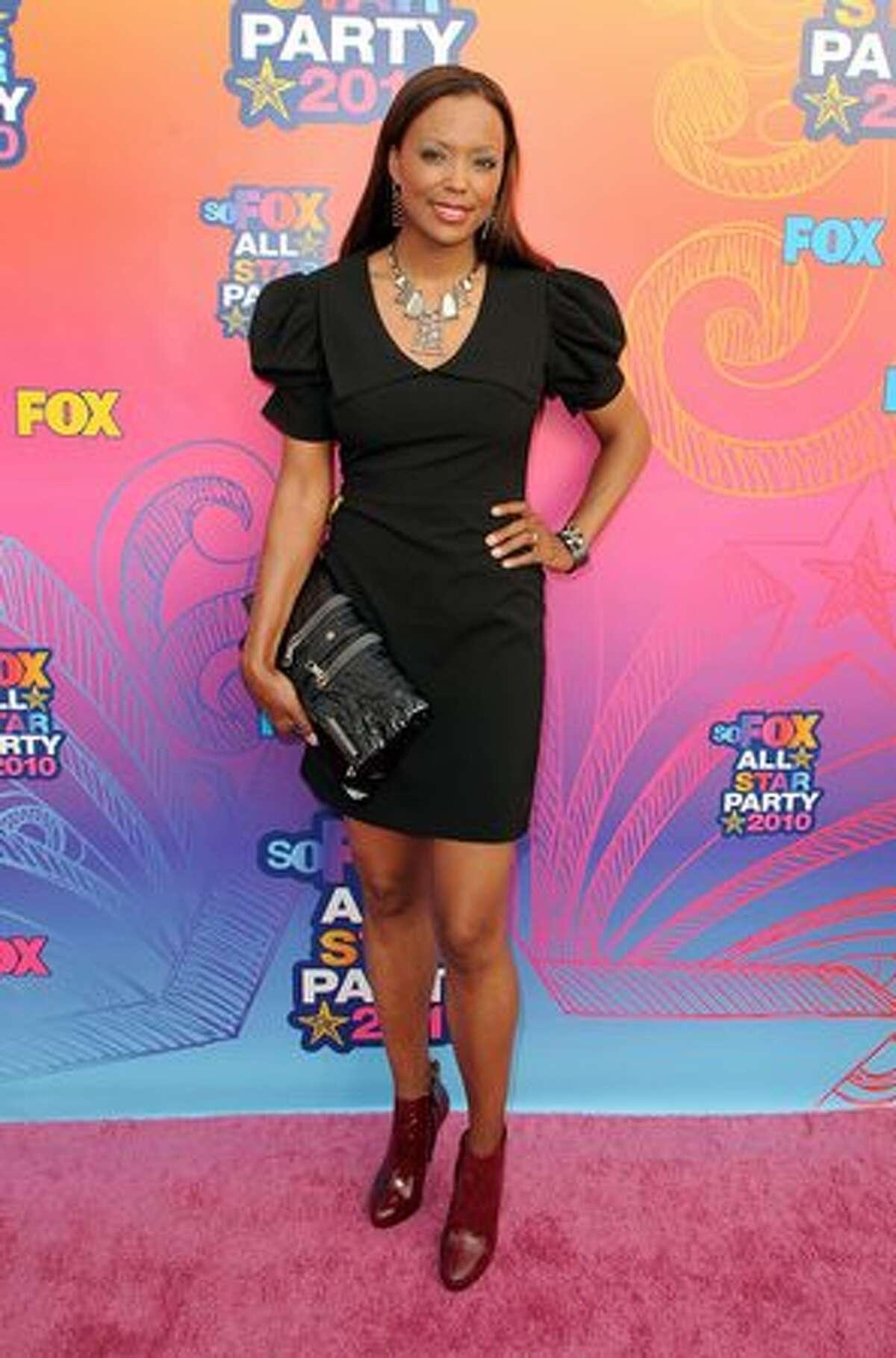 Actress Aisha Tyler arrives.