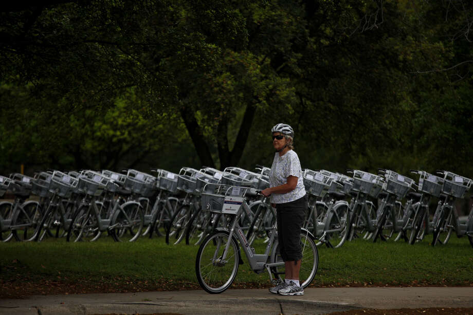 The latest expansion of the B-cycle program will allow cyclist to bike from the Witte Museum or the San Antonio Zoo south to Mission San José. Photo: LISA KRANTZ/lkrantz@express-news.net