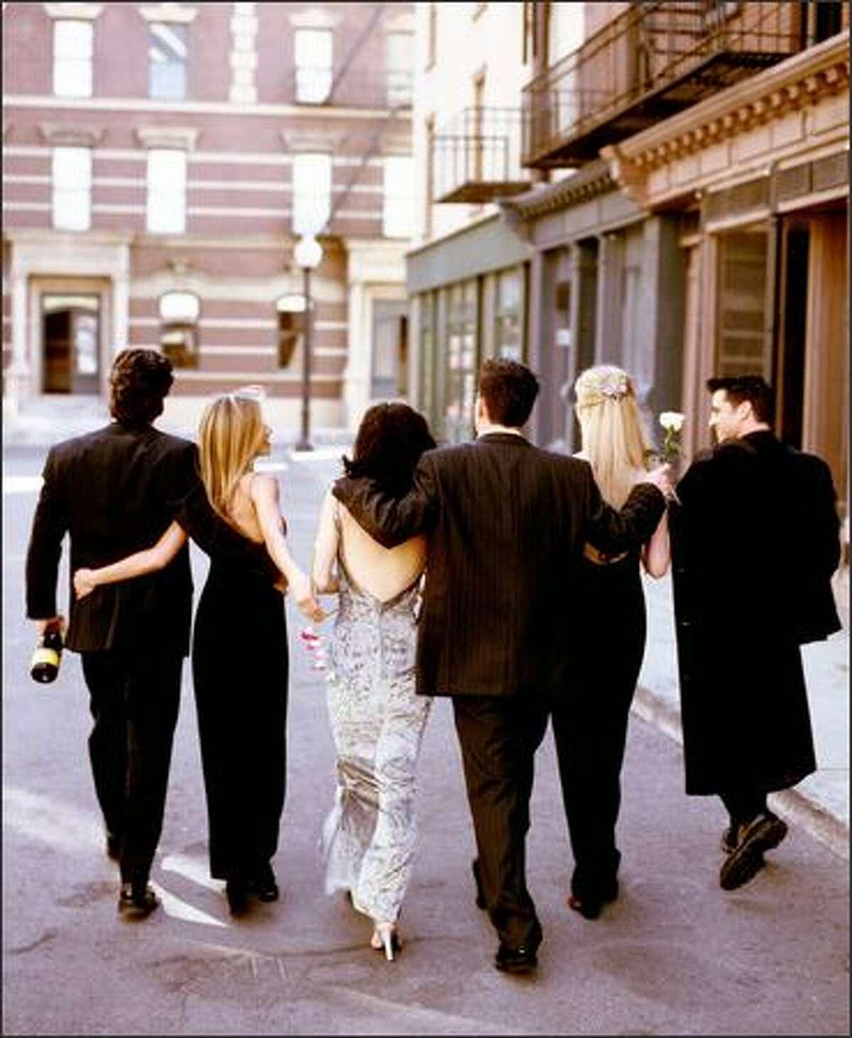 David Schwimmer as Ross Geller, Jennifer Aniston as Rachel Green, Courteney Cox Arquette as Monica Geller Bing, Matthew Perry as Chandler Bing, Lisa Kudrow as Phoebe Buffay, Matt Le Blanc as Joey Tribbiani (Warner Bros. Photo)