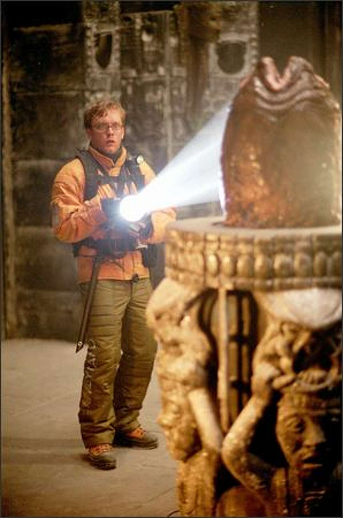 In the aptly-named Sacrificial Chamber, Thomas (Sam Troughton) discovers an Alien egg. For centuries, the Predators have bred Aliens on Earth using a captive Alien Queen to test their warriors in a brutal rite of passage.