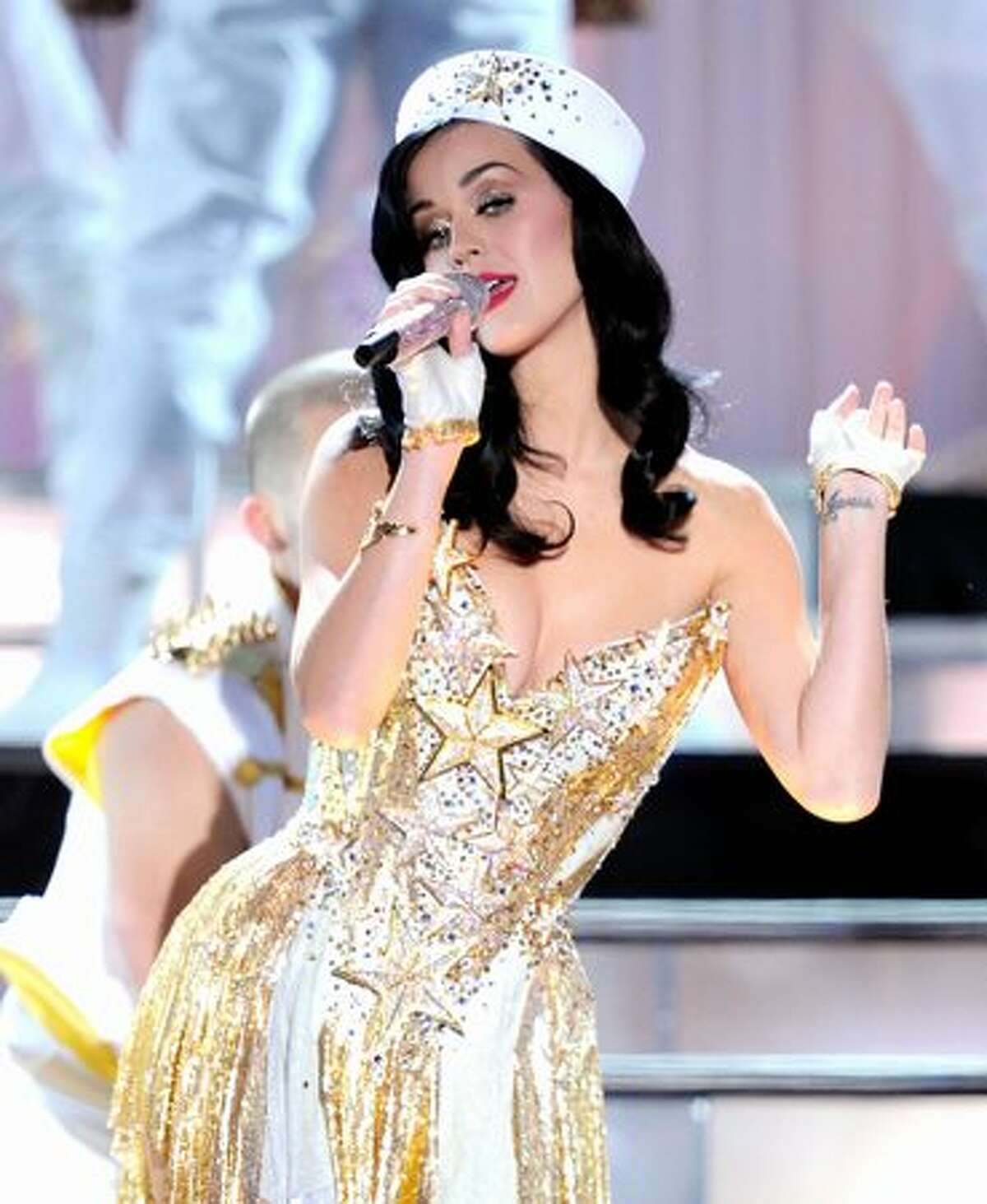 """Singer Katy Perry performs onstage during """"VH1 Divas Salute the Troops"""" presented by the USO at the MCAS Miramar in Miramar, Calif., on Friday, Dec. 3, 2010. """"VH1 Divas Salute the Troops"""" concert event will be televised on Sunday at 9:00 p.m. Pacific on VH1."""