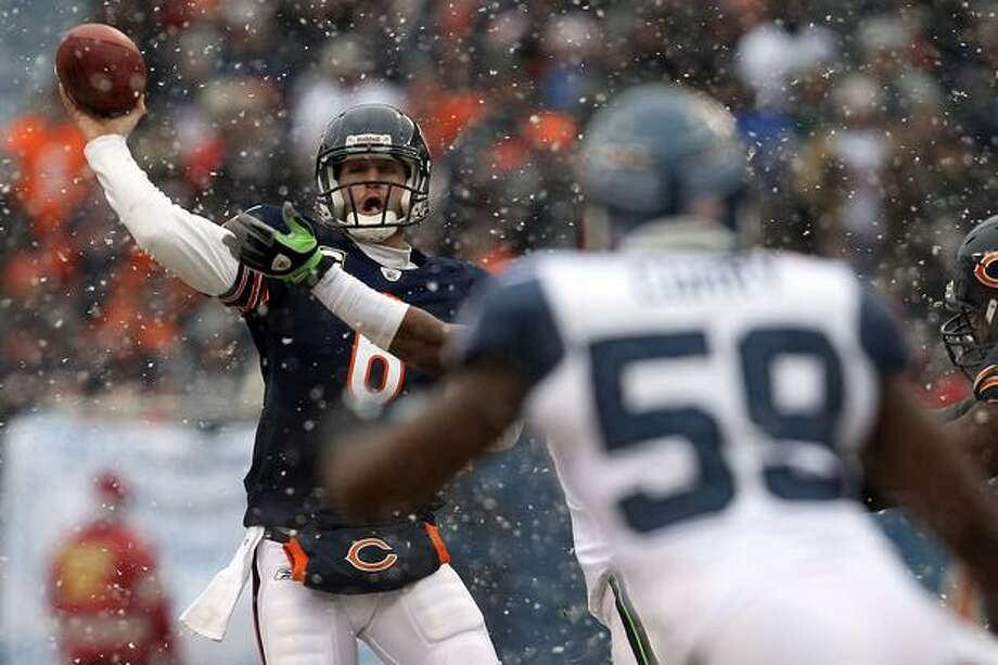 CHICAGO, IL - JANUARY 16: Quarterback Jay Cutler #6 of the Chicago Bears throws the ball in the second quarter against the Seattle Seahawks in the 2011 NFC divisional playoff game at Soldier Field on January 16, 2011 in Chicago, Illinois. Photo: Getty Images