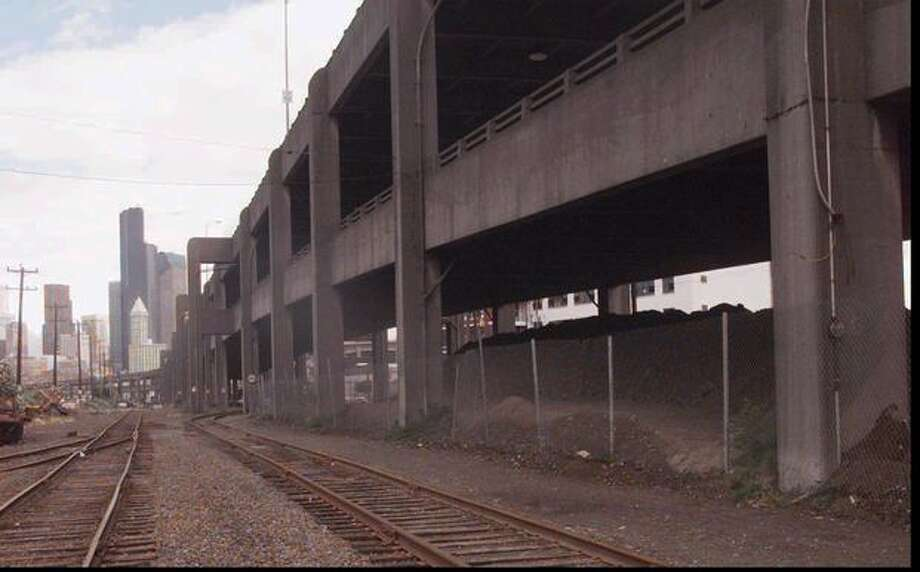 The Alaskan Way Viaduct on July 26, 1995. That year it was a prime subject in a University of Washington study that found it a candidate to collapse in a severe earthquake. (AP Photo//Barry Sweet/seattlepi.com file) Photo: P-I File