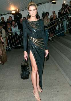 2003: Model Heidi Klum in Valentino. Photo: Getty Images