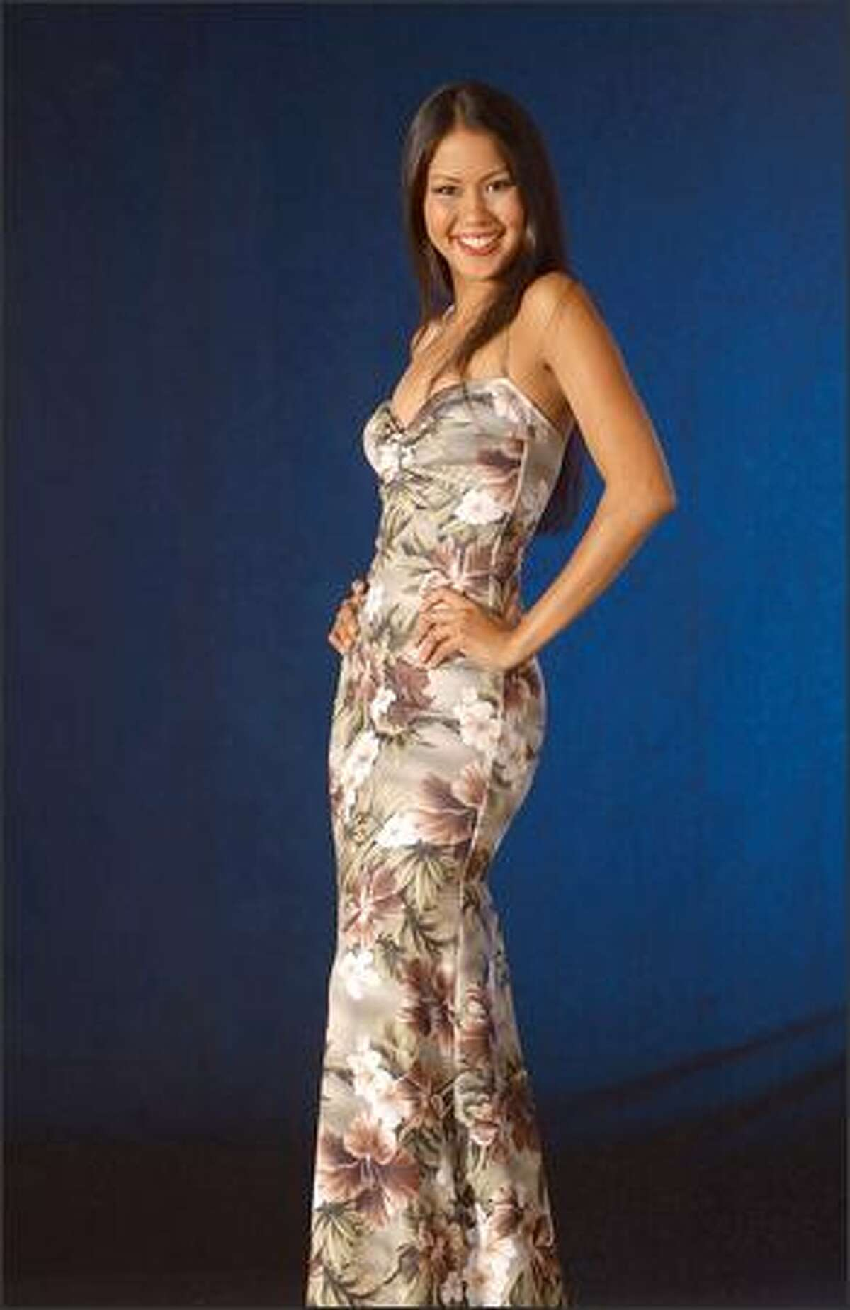 Zizi Lee, Miss Aruba.