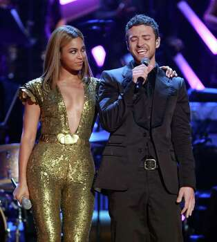 NEW YORK - SEPTEMBER 05:  Justin Timberlake and Beyonce perform on stage during the Conde Nast Media Group's Fifth Annual Fashion Rocks at Radio City Music Hall on September 5, 2008 in New York City. Photo: Stephen Lovekin, Getty Images / 2008 Getty Images
