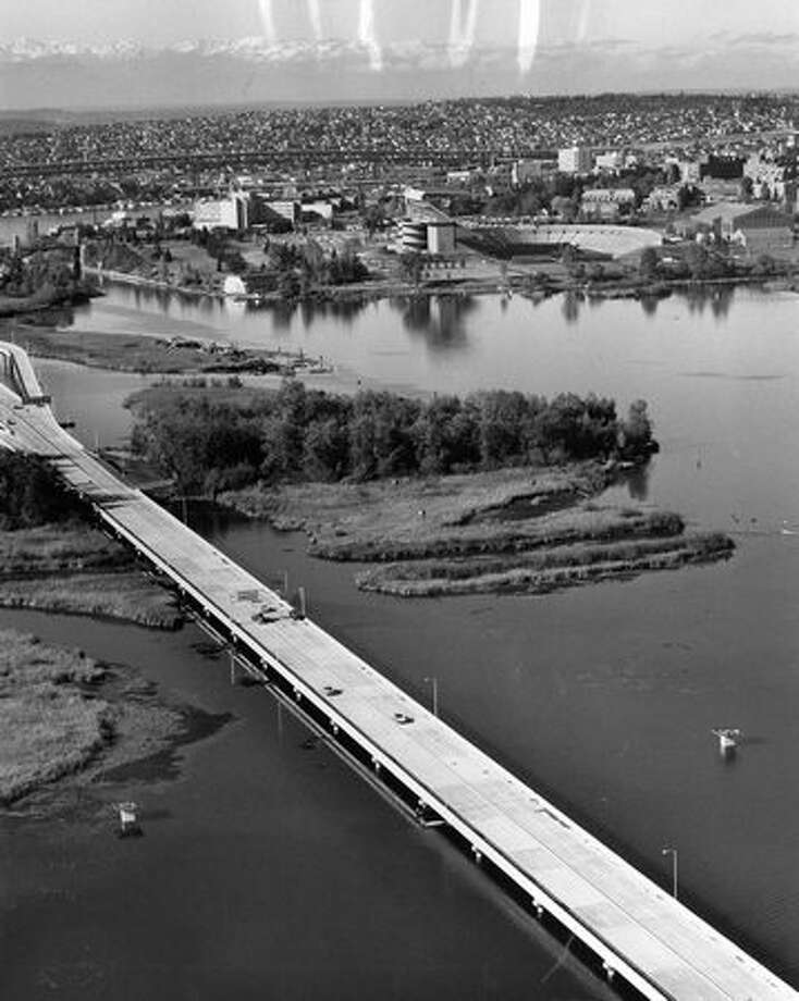 The west end of the 520 bridge, November 1963. Photo: P-I File