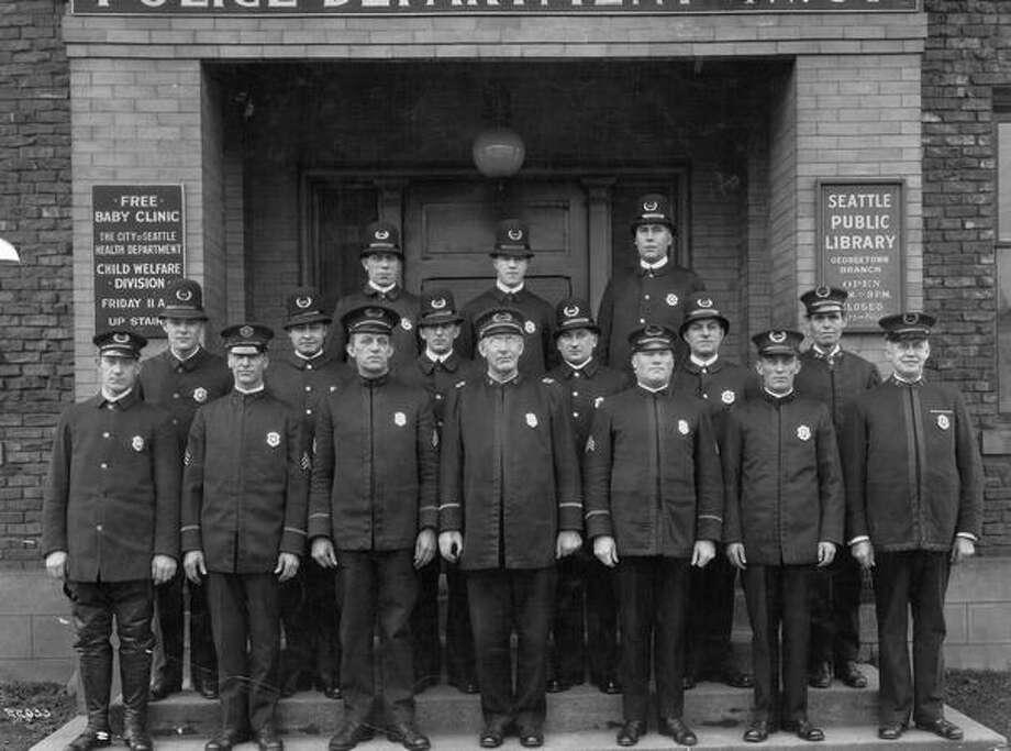 December 22, 1928. Photo: P-I File