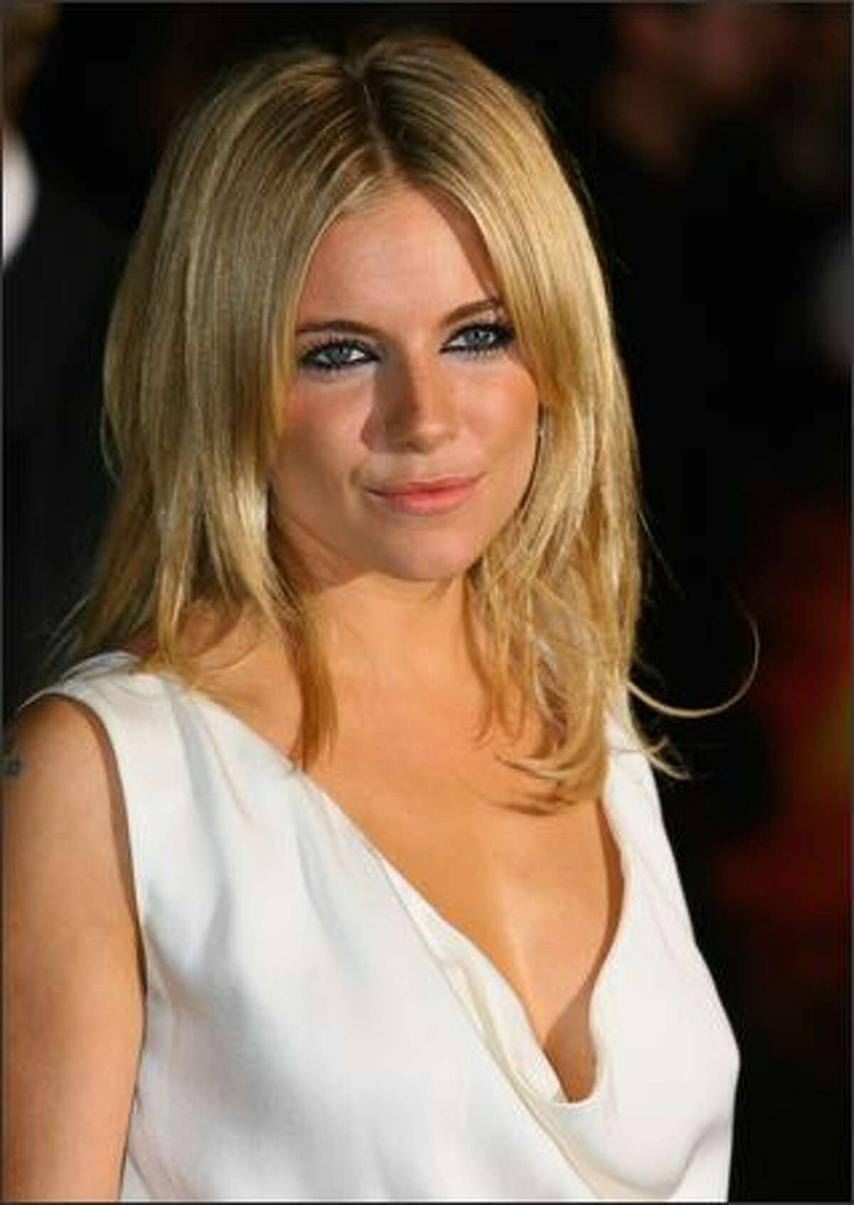 Sienna Miller attends the Stardust film premiere held at the Odeon Leicester Square on October 3, 2007 in London.