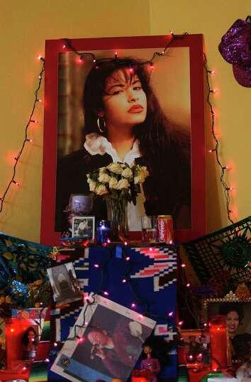 Dia de los Muertos altar, in memory of Selena.  Photographed Thursday Oct. 19, 2006.  Helen L. Monto