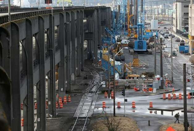 The Alaskan Way Viaduct as construction began on the new highway that will replace it. Photo: Joshua Trujillo, Seattlepi.com / seattlepi.com