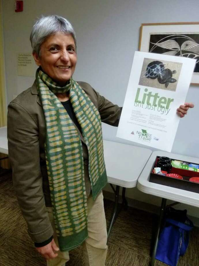 """Deepika Saksena spoke to an eco-conscious Westport audience about how she has taken the concept of reduce-reuse-recycle to a new level, striving for zero trash. The """"Zero Garbage Concept"""" was the theme of the program in the Westport Public Library last Wednesday. Photo: Contributed Photo/Mike Lauterborn / Westport News contributed"""
