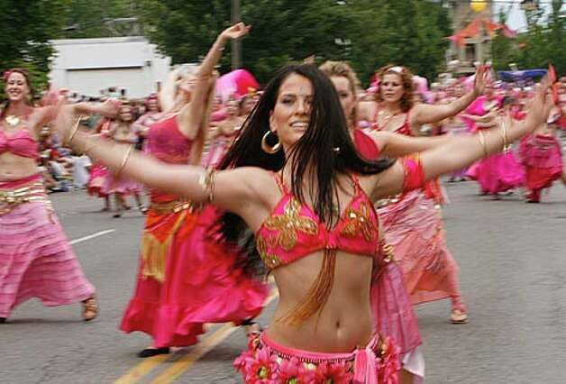 Sorrellisa leads a squad of belly dancers in the 37th Annual Fremont Fair and summer solstice parade in Fremont. Seattle, Saturday, June 21, 2008. (Grant Haller / Seattle P-I)
