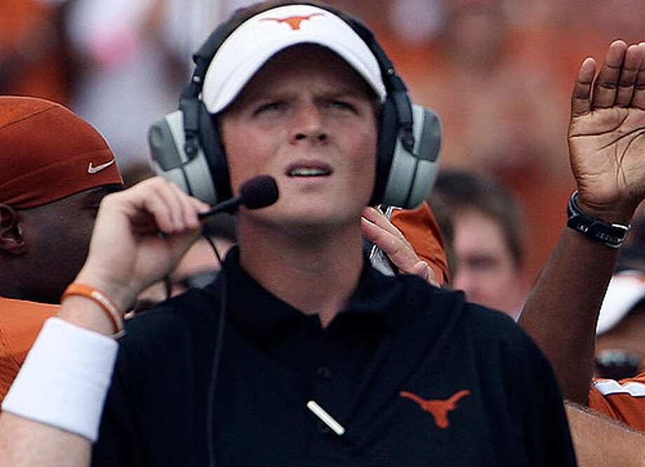 Major Applewhite is now an assistant at UT, but it wasn't long ago that he was in a battle to be the starting QB. Now, UT has another QB battle between Garrett Gilbert and three competitors. TOM REEL/treel@express-news.net