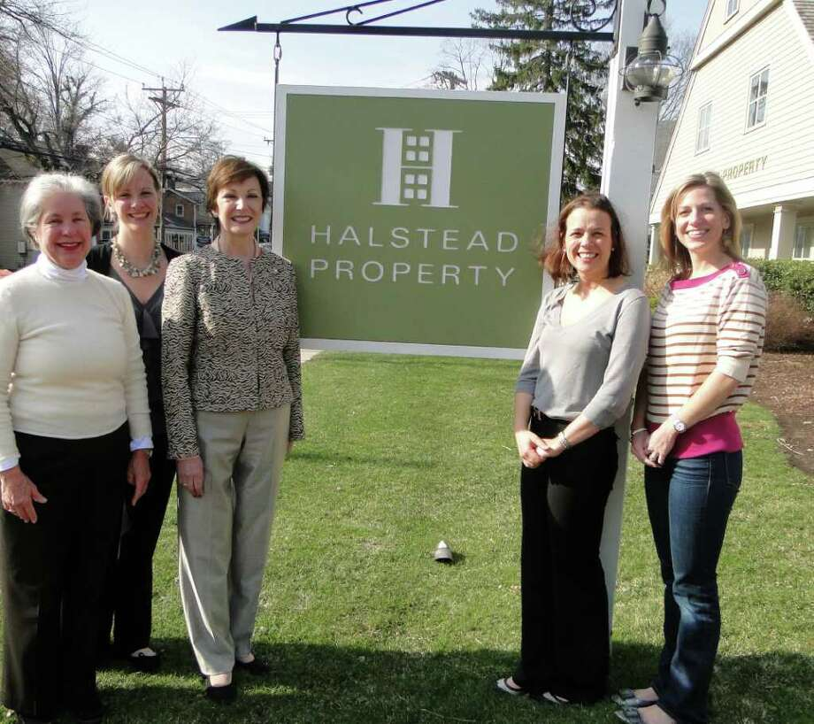 Charlotte Felt, executive director of sales, Darien and Rowayton for Halstead Property; Robyn Kammerer, executive director of communications of Halstead Property and Rowayton resident; Diane Ramirez, president of Halstead Property; Alex Eising, Co-President OPUS for Person-to-Person and Beth Williams, Co-President OPUS for Person-to-Person. Photo: Contributed Photo / Darien News