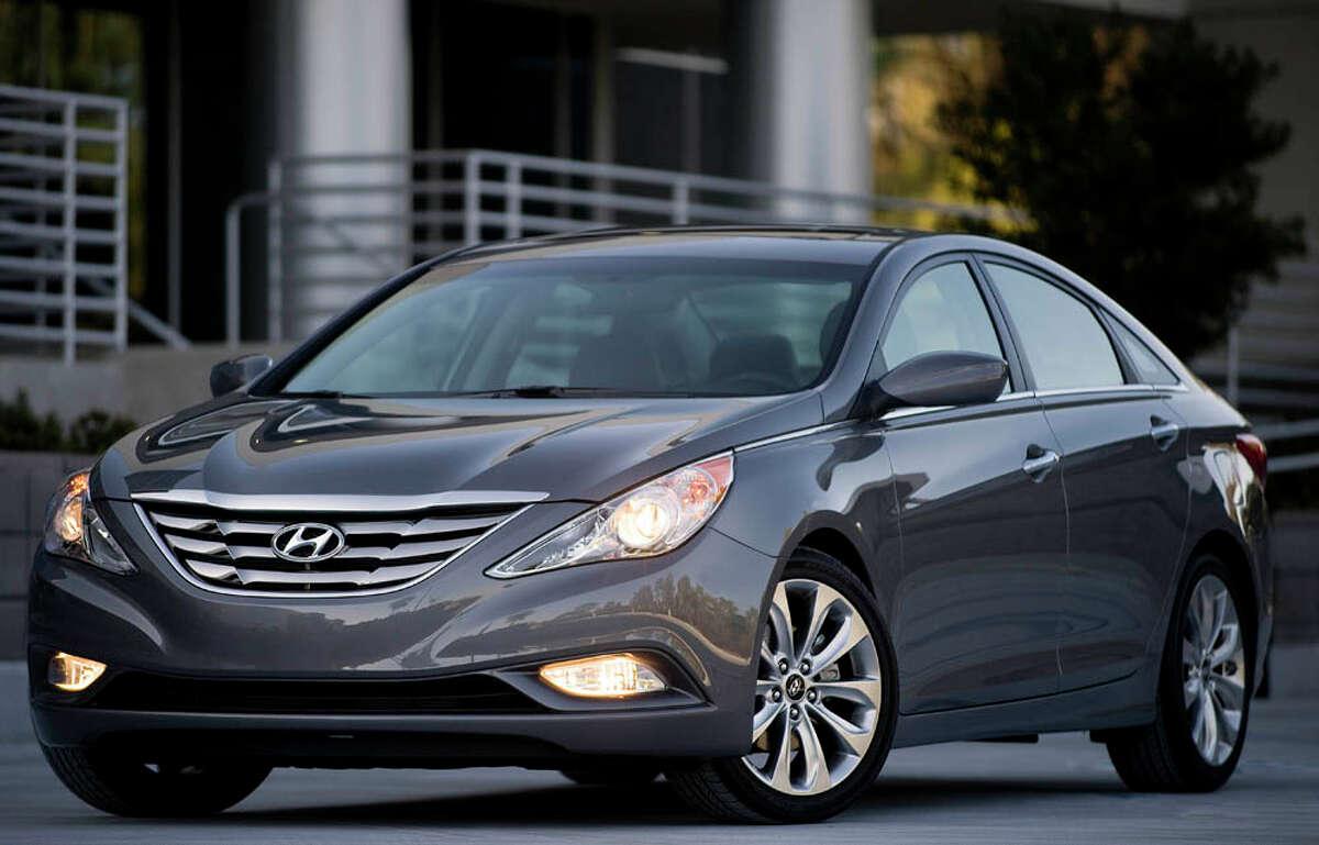 Midsize Sedan: Hyundai Sonata