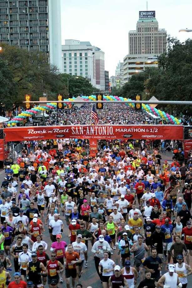 The The Rock n' Roll San Antonio Marathon and half Marathon won for best large event. Photo: JOHN DAVENPORT, SAN ANTONIO EXPRESS-NEWS / jdavenport@express-news.net