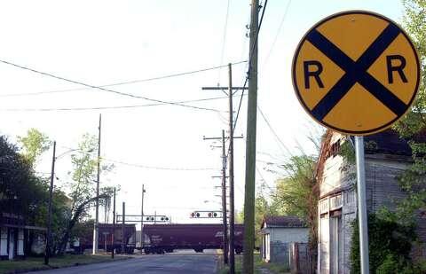 Traffic-blocking trains still a legal enigma - Beaumont Enterprise