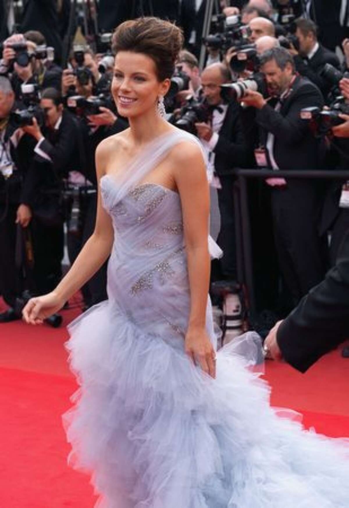 Kate Beckinsale attends the 'Robin Hood' premiere at the Palais des Festivals during the 63rd Annual Cannes International Film Festival in Cannes, France.