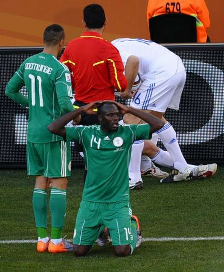 Player: Sani KaitaGame: Nigeria vs. GreeceOffense: Kicked Greece footballer Vasilis Torosidis at the touch line Photo: Getty Images / Getty Images