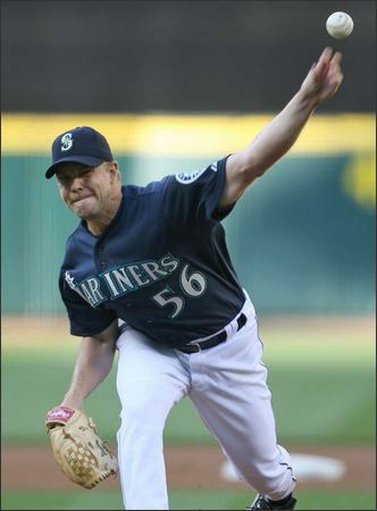 Seattle Mariner Jarrod Washburn starts against the Detroit Tigers during first inning action at Safeco Field on Friday.