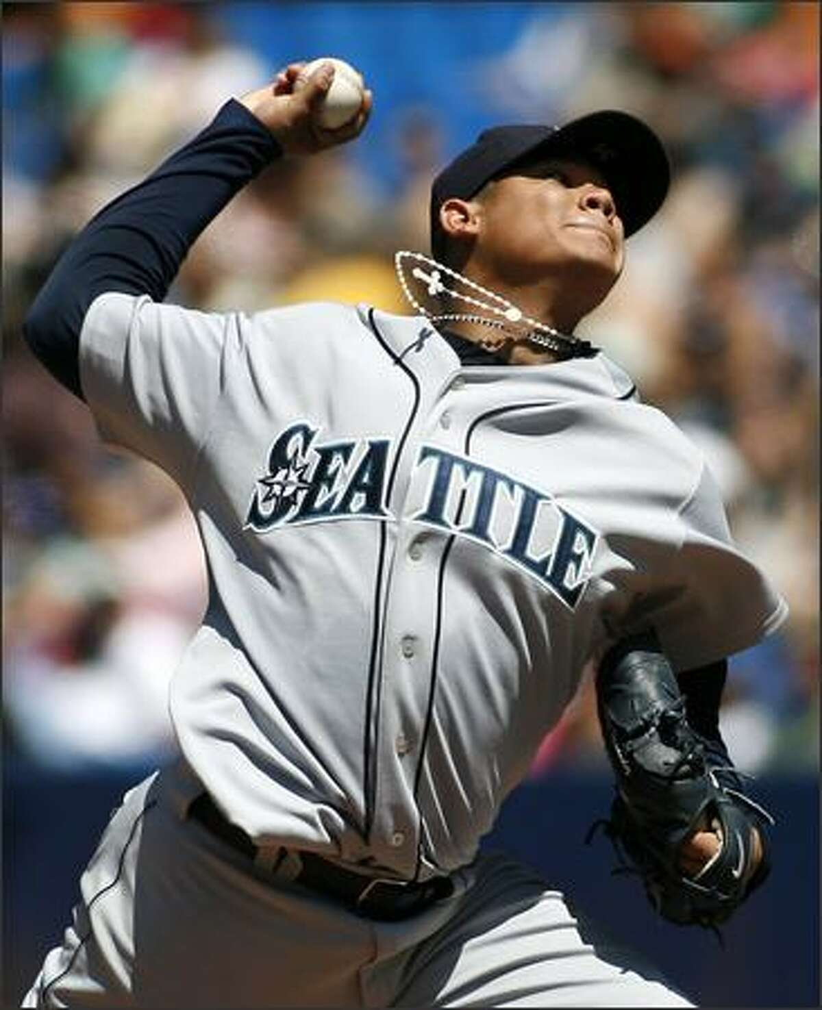 Seattle Mariners starting pitcher Felix Hernandez pitches against the Toronto Blue Jays during the fourth inning. (AP Photo/Nathan Denette, CP)