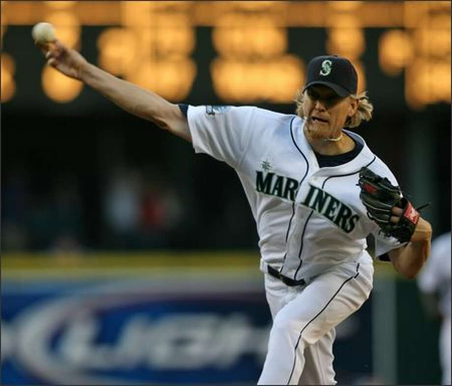 Seattle Mariners' Jeff Weaver (36) starts against the Los Angeles Angels during first inning action at Safeco Field in Seattle, Wash., Tuesday July 31, 2007. Photo: Mike Urban, Seattle Post-Intelligencer / Seattle Post-Intelligencer