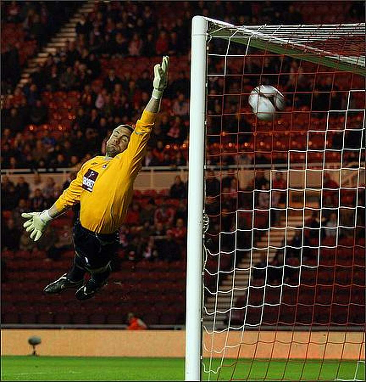 Robert Green of West Ham is beaten by a free kick from Stewart Downing during the FA Cup 5th Round Replay match sponsored by e.on between Middlesbrough and West Ham United at The Riverside Stadium in Middlesbrough, England. (Photo by Ross Kinnaird/Getty Images)