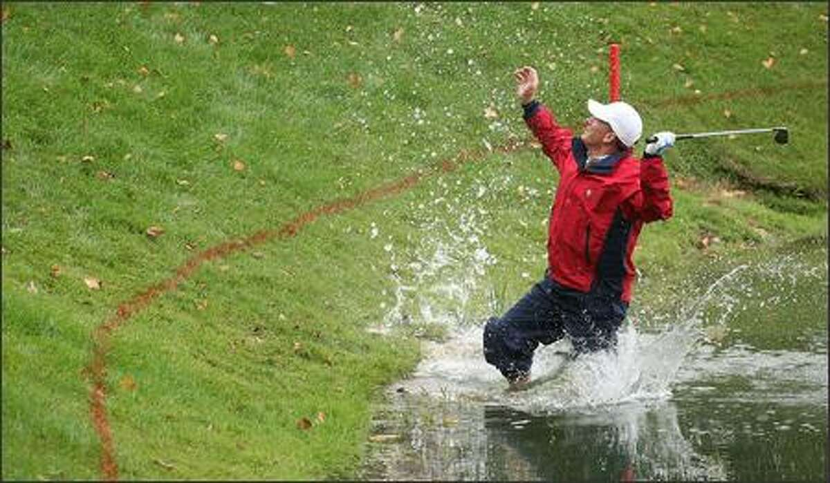 Woody Austin of the U.S. Team plays his second shot from the water at the par 4, 14th hole during the round two fourball matches at the Presidents Cup at The Royal Montreal Golf Club September 28, 2007 in Montreal, Quebec, Canada. (Photo by Scott Halleran/Getty Images)