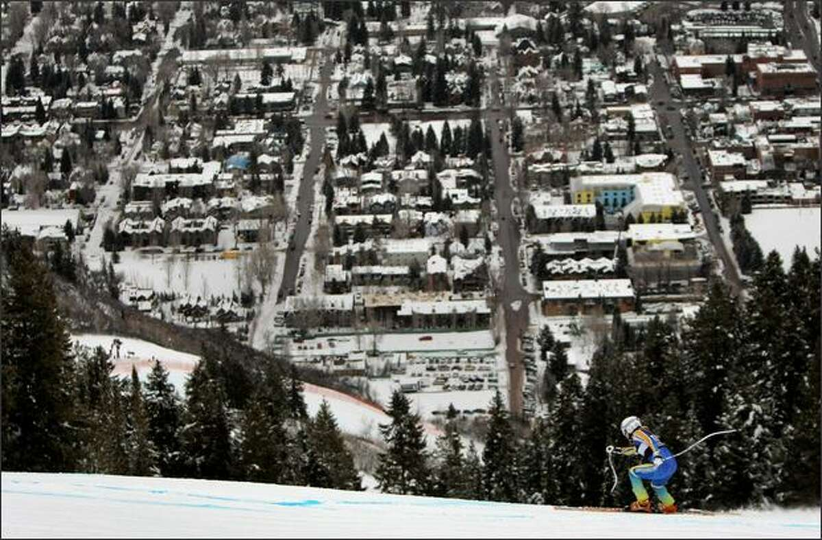 Jessica Lindell-Vikarby of Sweden heads down the course as the city of Aspen as a backdrop during Women's FIS Alpine World Cup Downhill Training on Ruthie's Run in Aspen, Colorado. (Photo by Doug Pensinger/Getty Images)