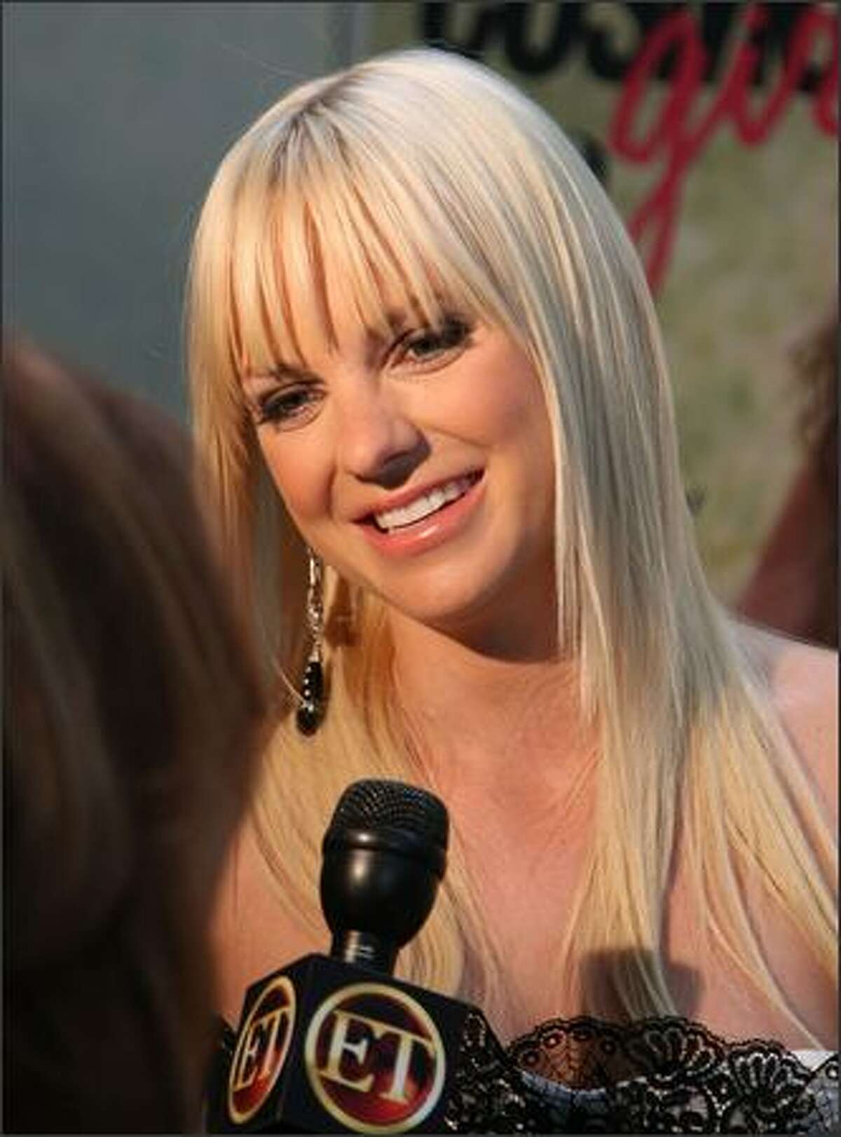 Actress Anna Faris talks to reporters at Columbia Picture/Happy Madison's screening of