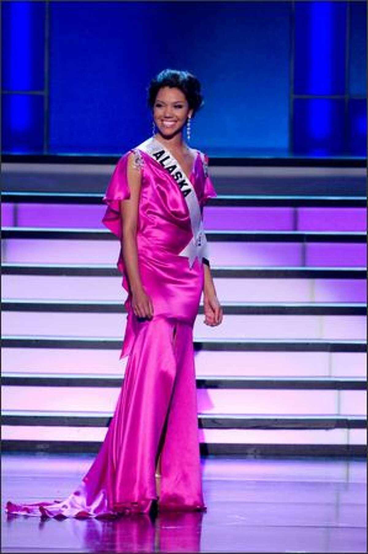 Courtney Erin Carroll, Miss Alaska USA 2008.