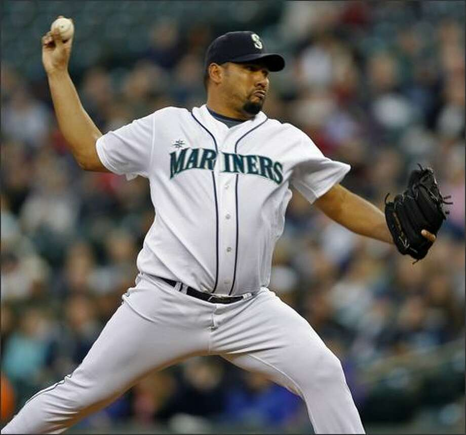 Seattle Mariners pitcher Carlos Silva starts against the Texas Rangers during first inning action at Safeco Field in Seattle. Photo: Mike Urban, Seattle Post-Intelligencer / Seattle Post-Intelligencer