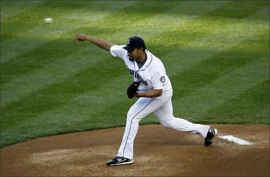Seattle Mariners Carlos Silva starts against the Baltimore Orioles. Photo: Mike Urban, Seattle Post-Intelligencer / Seattle Post-Intelligencer