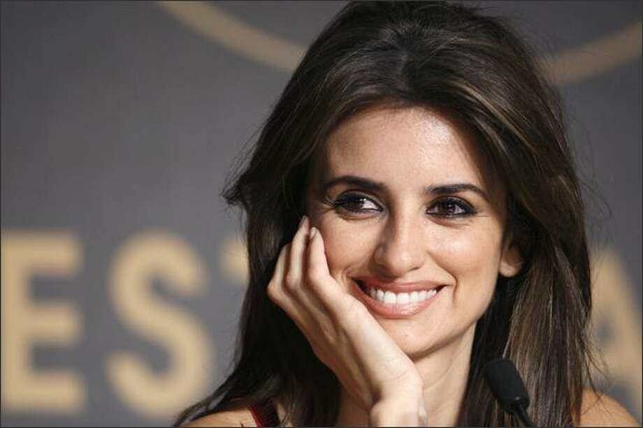 "Penelope Cruz smiles during a press conference for ""Vicky Cristina Barcelona."" Photo: Getty Images / Getty Images"