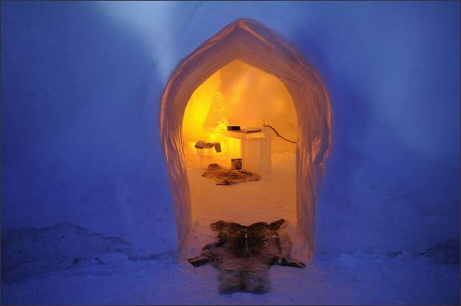 The entrance of an ice sculpture gallery is seen on December 17, 2008 in Rovaniemi. Photo: Getty Images / Getty Images