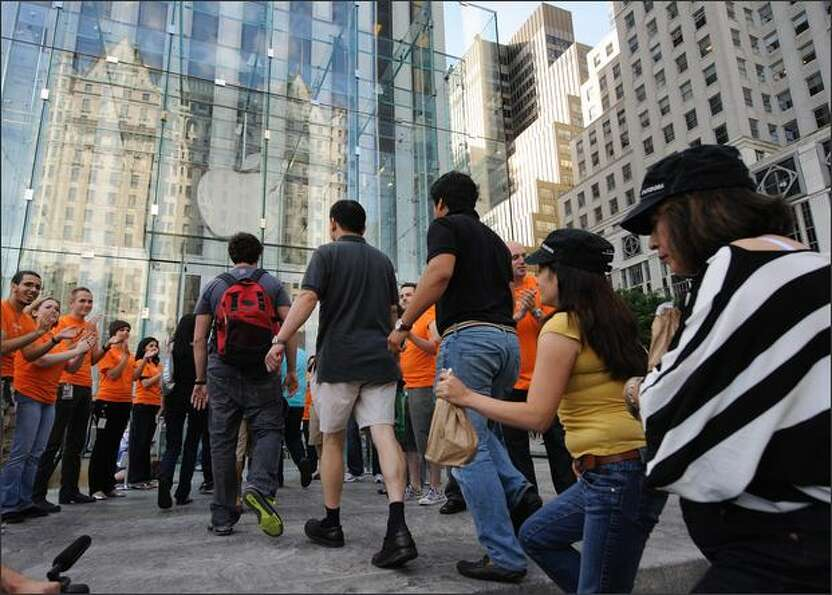 When the iPhone 3Gs went on sale in New York at 8 a.m. on July 11, 2008, the about 1,000 people in l