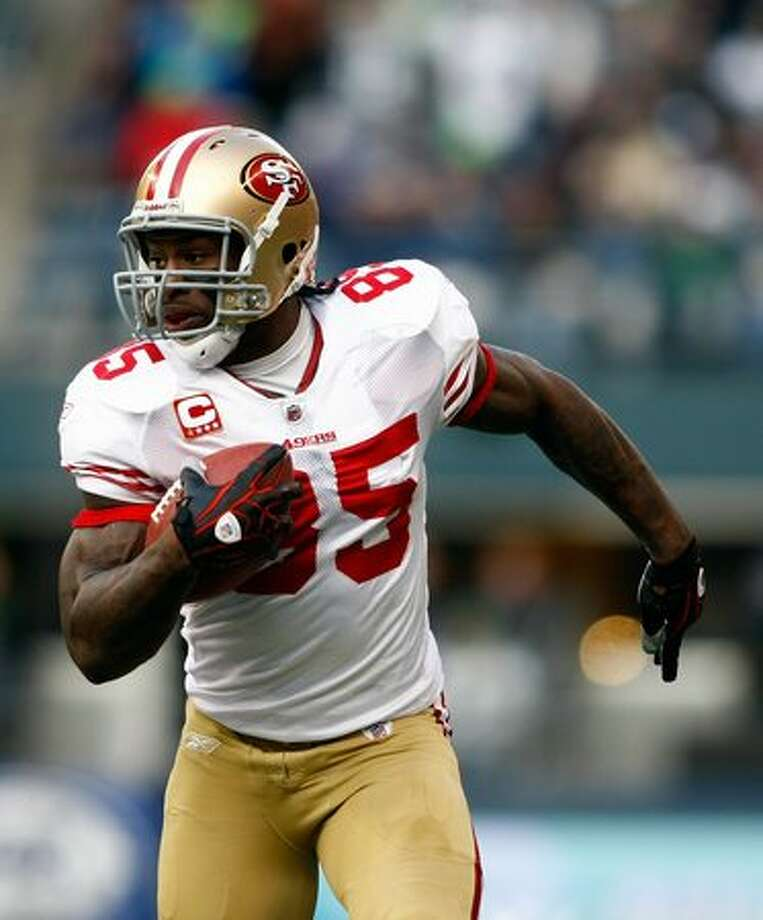 Vernon Davis #85 of the San Francisco 49ers catches a touchdown pass in the 1st quarter against the Seattle Seahawks. Photo: Getty Images / Getty Images