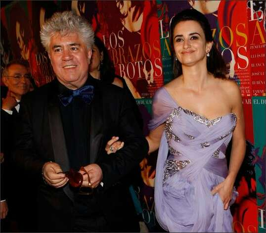 "Director Pedro Almodovar and actress Penelope Cruz attend the ""Broken Embraces"" after party held at the Plage des Palmes. Photo: Getty Images / Getty Images"