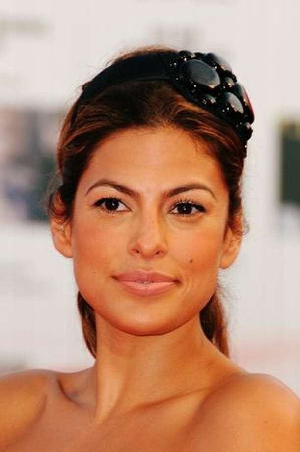 Actress Eva Mendes attends the Opening Ceremony and Baaria Red Carpet at the Sala Grande during the 66th Venice Film Festival in Venice, Italy. Photo: Getty Images / Getty Images