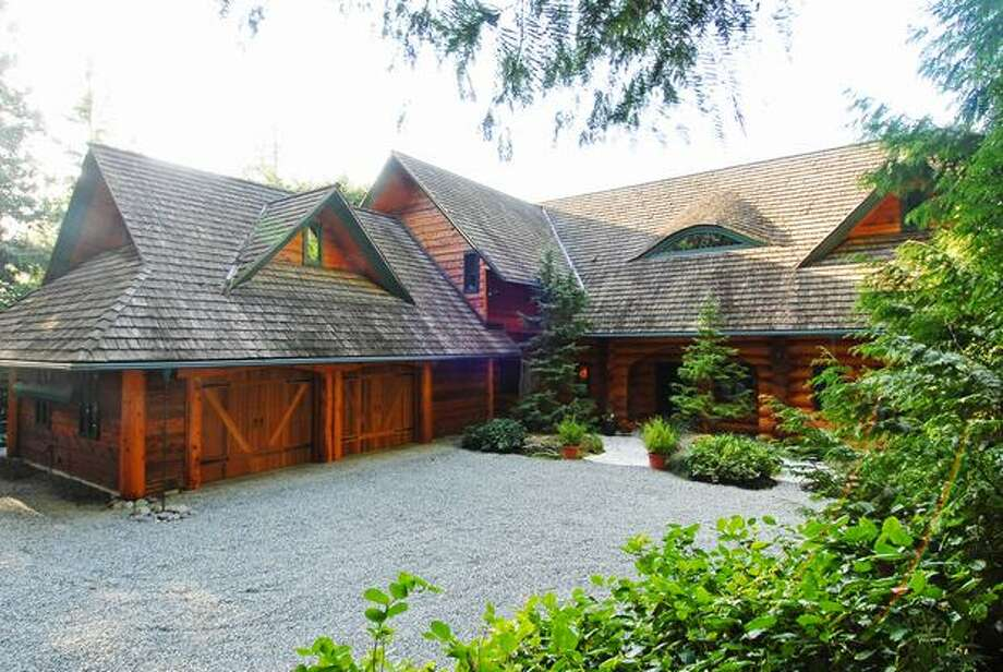 Located in Bainbridge Island, this home is 3,866 square feet, offering ceramic tile flooring, slate flooring, wall to wall carpet, 3 bedrooms and 3.5 bathrooms. This home lists at $2,150,000. The house is located at 15740 Euclid Ave NE. See the listing for more information. (Coldwell Banker McKenzie)