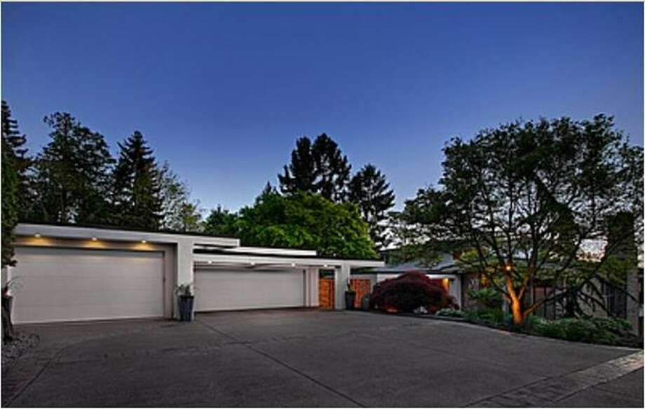 This $4,750,000 home in Kirkland has 4 bedroom and 3.5 bathrooms and was built in 1958. The home is 4,700 square feet and is located at 1330 8th St. W. (Windermere.com) See the listing.