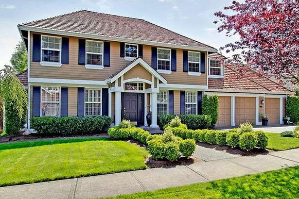 What is the market like for houses in the $550,000 range? Here are three houses around the Puget Sound area that are currently listed at that price. This $525,000 house at 1704 116th Pl. S.E in Mill Creek has four bedrooms and 2.5 bathrooms. Built in 1996, this 2,689 square foot home has a large yard with a koi poind, an attached three-car garage and a patio. (Windermere.com) See the listing.