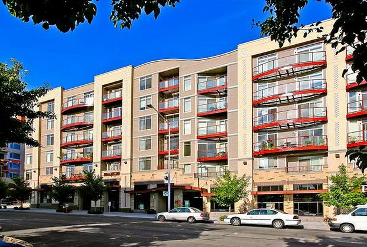 Looking for a condo in the $300,000 range? Here are four around the Seattle area that are currently listed at that price. This $278,500 condo at 5650 24th Ave. N.W. in Ballard has one bedroom and one bathroom. Built in 2007, this 799 square foot condo has bamboo floors and a roof top deck. (Windermere.com) See the listing.