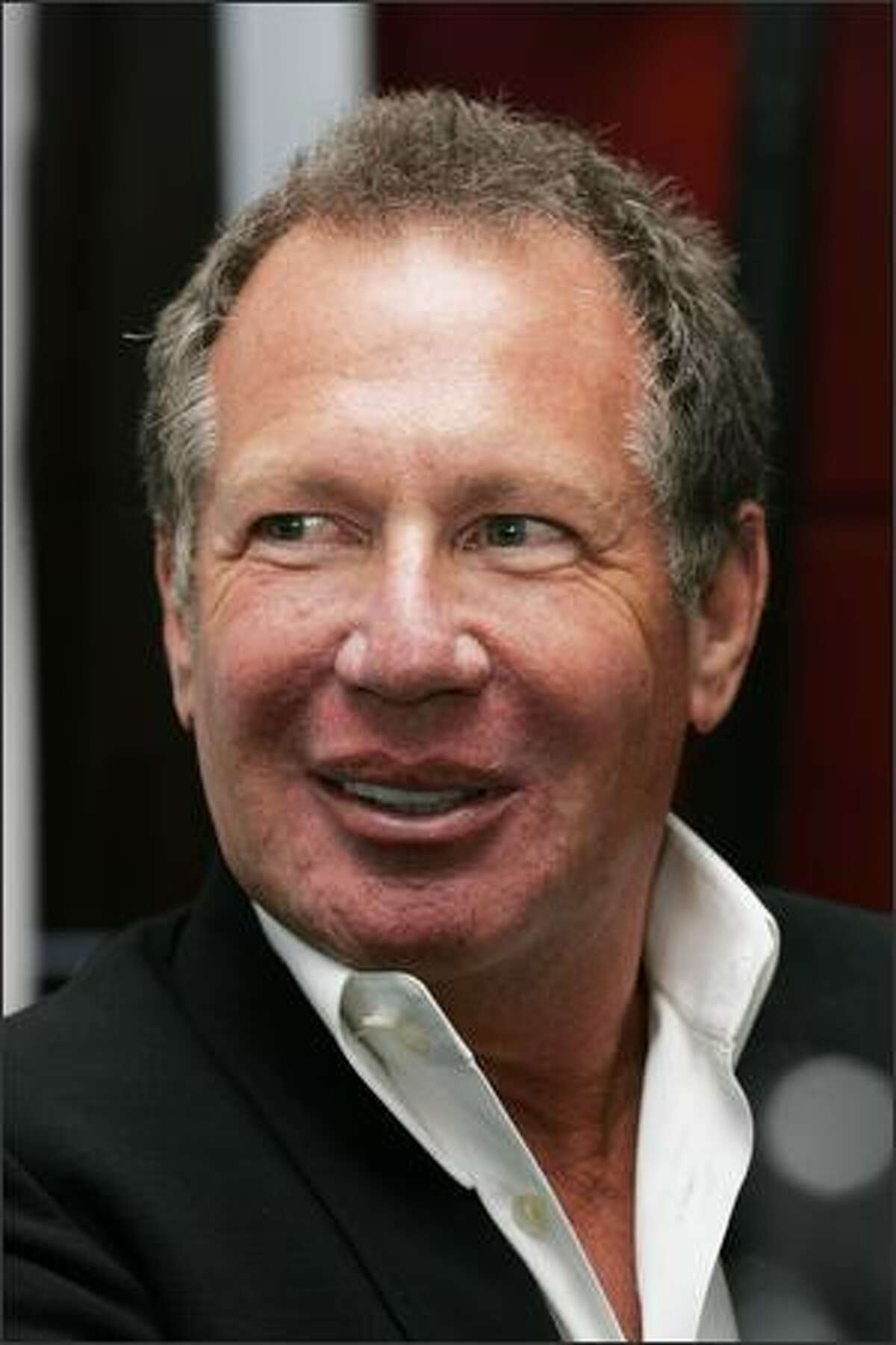 Comedian Garry Shandling arrives for