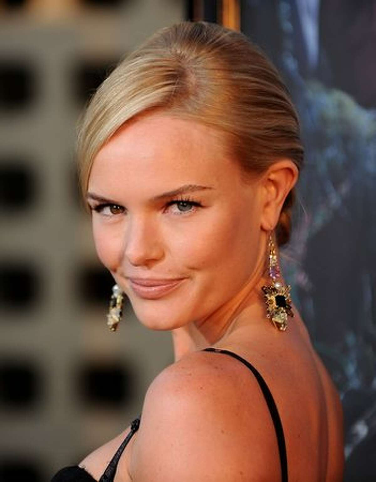 """Actress Kate Bosworth arrives at the premiere of HBO's """"True Blood"""" Season 3 at The Cinerama Dome."""
