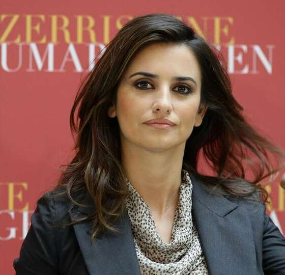 Actress Penelope Cruz attends the Los Abrazos Rotos photocall held at the Hotel de Rome in Berlin, G