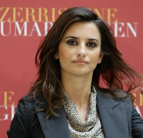 Actress Penelope Cruz attends the Los Abrazos Rotos photocall held at the Hotel de Rome in Berlin, Germany. Photo: Getty Images / Getty Images